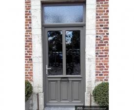Drzwi frontowe P05